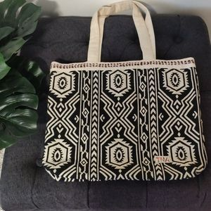 3/$60 TNA Tote Bag